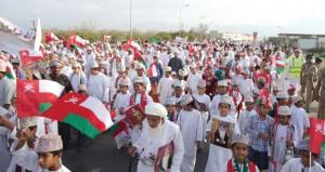 مسيرات حاشدة بمحافظة ظفار وقريات تجسد لوحات من الوفاء والحب لقائد البلاد المفدى
