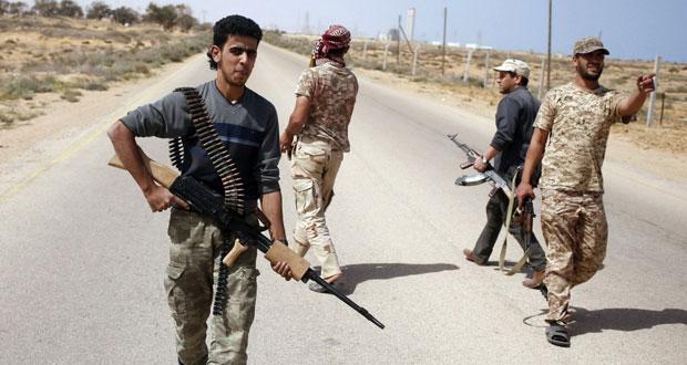 ليبيا: حفتر يتعهد بالسيطرة على بنغازي خلال شهر ويطالب بـ(الدعم)