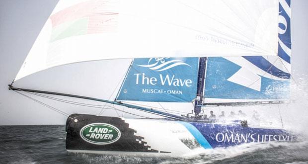 سيطرة قوارب عُمان للإبحار على المراكز الأولى في منافسات اليوم الثاني