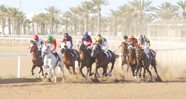 نادي سباق الخيل السلطاني ينظم السباق السابع عشر بمضمار الرحبة ببركاء