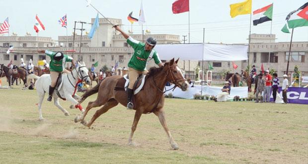 فرسان عمان يواصلون التحدي ببطولة الهند الدولية والآسيوية ﻻلتقاط الأوتاد