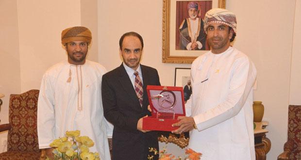فرسان عمان يواصلون التألق في بطولة الهند الدولية واآسيوية ﻻلتقاط الأوتاد