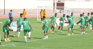 الطريق إلى مونديال 2018 : منتخبنا الوطني يكثف تدريباته بملعب شؤون البلاط بالسيب