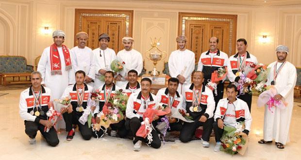 المنتخب الوطني لالتقاط الأوتاد يحظى باستقبال رسمى رائع