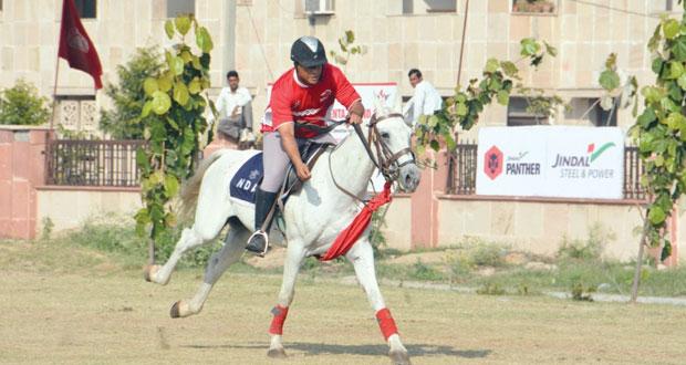 بدء منافسات بطولة الهند الدولية والآسيوية لالتقاط الأوتاد