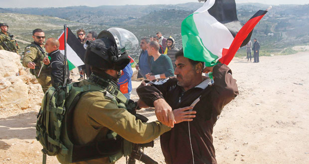 الاحتلال ينتهج (عسكرة الأراضي) تمهيدا لضمها للمستوطنات