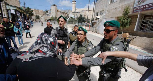 الاحتلال يستفز الفلسطينيين باقتحام ليبرمان لـ (الإبراهيمي)
