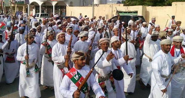 تواصل مسيرات الحمد والدعاء وبرقيات التهاني لقائد عمان