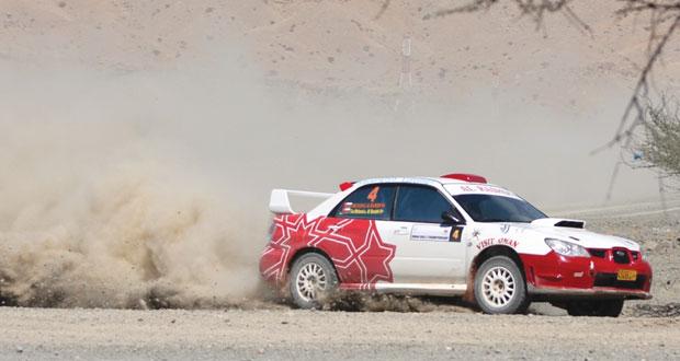 الجولة الثانية لرالي عمان تشهد سخونة فى المنافسة مع 10 متسابقين