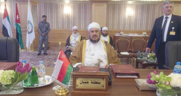 السلطنة تشارك في اجتماع اتحاد المحاكم والمجالس الدستورية العربية بالكويت