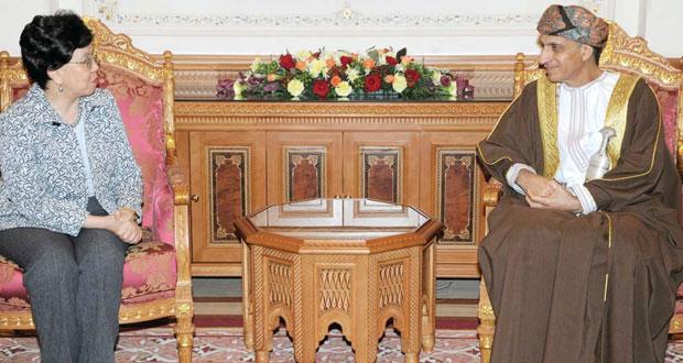 نيابة عن جلالة السلطان .. فهد بن محمود يستقبل المديرة العامة لـ(الصحة العالمية)