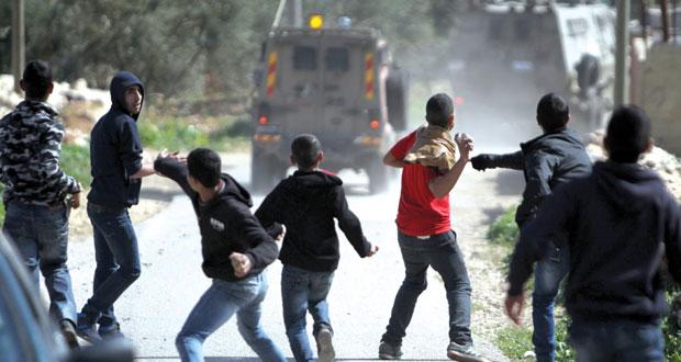 عشرات المستوطنين يدنسون ( الأقصى) وسط حراسة الاحتلال
