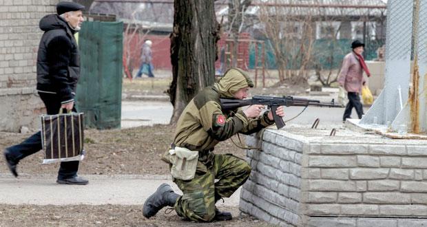 أزمة أوكرانيا : واشنطن تتعهد ببدء تدريب العسكريين الأوكرانيين قريبا .. وموسكو تندد