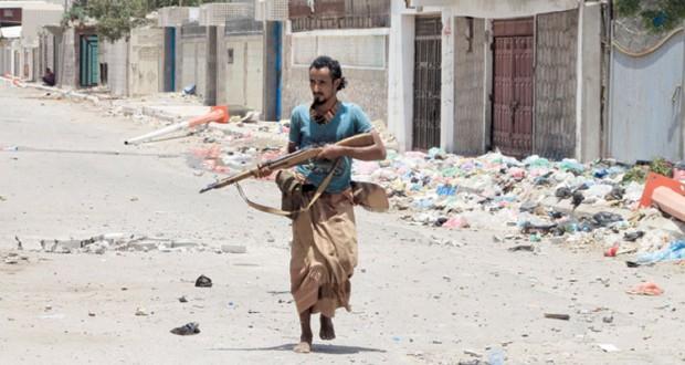 اليمن: غارات للتحالف بمأرب واشتباكات بعدن ومجلس الأمن ينتظر تقرير كي مون