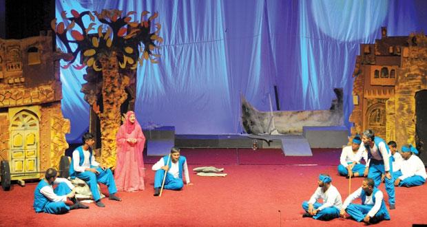 """تواصل عروض مهرجان المسرح المدرسي السادس ومسرحية """"كنوز لا تقدر بثمن"""" و""""أفراح منسية"""" تعرض اليوم"""