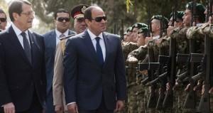 مصر: السيسي يتعهد بتنظيم الانتخابات البرلمانية قبل نهاية 2015