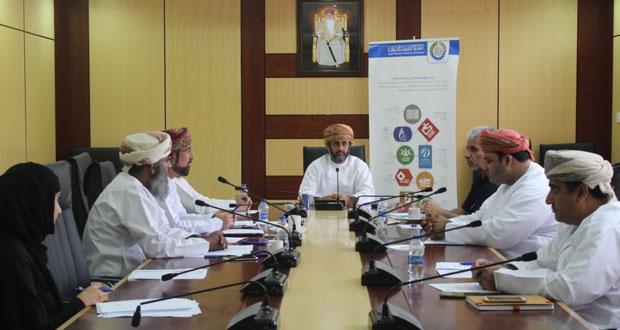 لجنة الموارد البشرية بغرفة شمال الباطنة تناقش تدريب العاملين بالقطاع الخاص