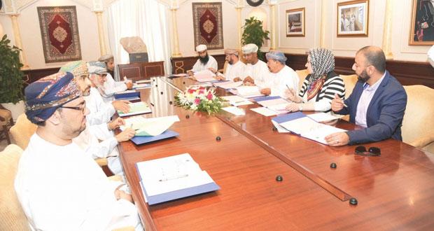 اللجنة المشتركة بين جامعة السلطان قابوس ووزارة الصحة تناقش عددا من الموضوعات المشتركة