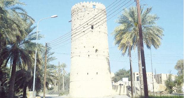 بلدة ذات خيل بولاية الحمراء من أعرق قرى الولاية وتشتهر بتعدد أبراجها