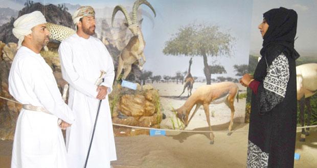 معرض كنوز عمان يحط رحاله في ولاية صور
