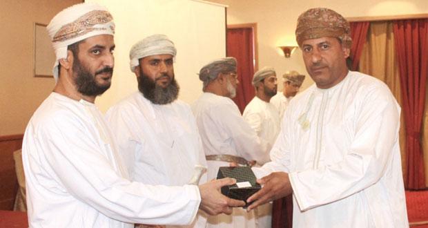 محافظ الداخلية يرعى تكريم المتبرعين والداعمين لحملات التبرع بالدم بمحافظة الداخلية