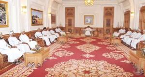 فهد بن محمود يستعرض مع رئيس وأعضاء مكتب (الشورى) النقاط المقدمة من المجلس والمسائل المطروحة من قبل الحكومة