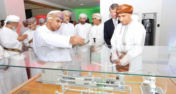 فهد بن محمود وعدد من أعضاء مجلس الوزراء يزورون شركة تنمية نفط عمان