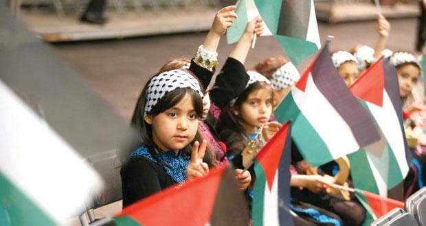 الحكومة الفلسطينية تستنكر منع الاحتلال لوزير تعليم جنوب إفريقيا من زيارة فلسطين