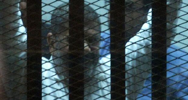 مصر: الحكم على مرسي 20 عاما بتهمة (استعراض القوة) وتبرئته من القتل العمد بـ(الاتحادية)