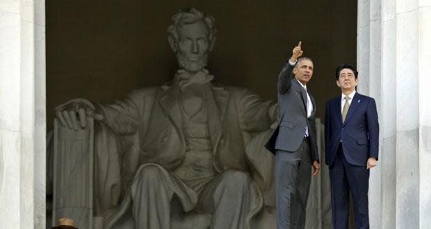 أوباما يبحث مع رئيس وزراء اليابان ابي الحد من نفوذ الصين