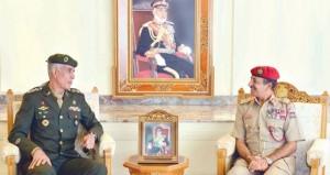 أحمد النبهاني يستقبل أعضاء لجنة كأس العالم العسكري لكرة القدم (السيزم)