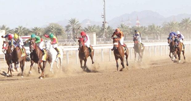 ختام ناجح ومثير لفعاليات السباق الختامي للخيول بمضمار الرحبة ببركاء