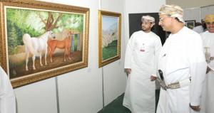افتتاح المعرض الدولي الخامس للفنون التشكيلية بجامعة نزوى