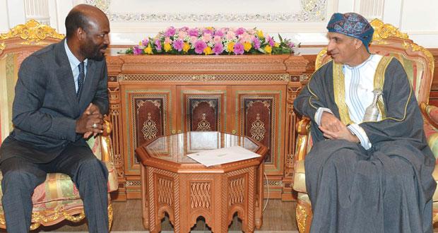 رسالة خطية لجلالة السلطان من الرئيس السنغالي