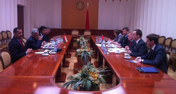 السلطنة وبيلاروسيا تعقدان جلسة مشاورات سياسية في العاصمة مينسك