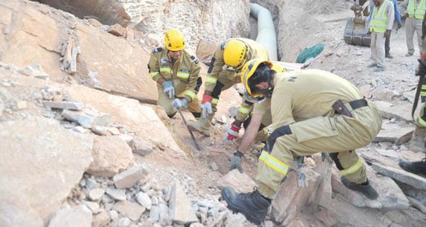 وفاة شخصين وإصابة آخر إثر انهيار جبل على مجموعة من العمال أثناء قيامهم بتنفيذ أعمال بولاية بوشر