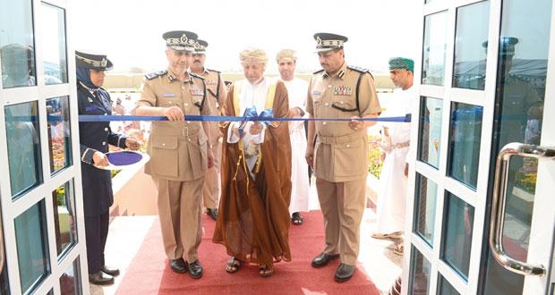 شرطة عمان السلطانية تحتفل بافتتاح مبنى خدمات الشرطة بالخوض
