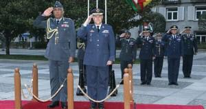 بحث التعاون العسكري بين السلطنة واسبانيا