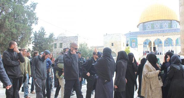 الاحتلال يحاصر (الأقصى) ويعتدي على المصلين