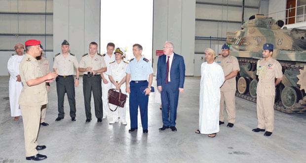 رئيس التعاون العسكري الدولي بتركيا يزور الكلية العسكرية التقنية