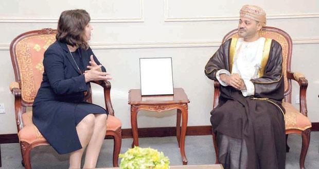 بدر بن حمد يستقبل وزيرة التجارة الخارجية الهولندية