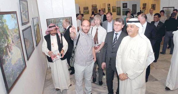 افتتاح معرض الفن الروسي بمشاركة ثمانية تشكيليين و200 عملا فنيا بالكويت