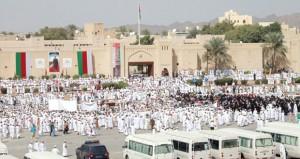 أهالي ولاية نـزوى ينظمون مسيرة التلاحم ومهرجان الوفاء لباني نهضة عمان