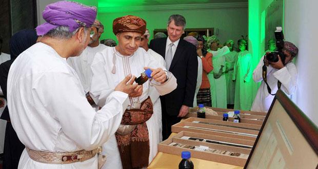 فهد بن محمود: السلطنة اعتادت على عدم الارتباك عند انخفاض أسعار النفط