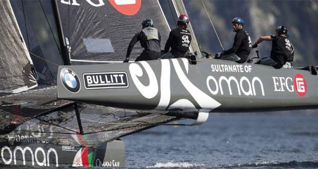 """في انطلاقة كأس النمسا لقوارب جي سي 32 القارب """"سلطنة عمان"""" يتقدم مستوى جيدا وينافس على صدارة الترتيب العام"""