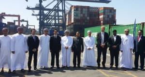 تأكيدا لأهمية الموانئ العمانية  تدشين خط ملاحي جديد بين السلطنة وموانئ جنوب آسيا عبر ميناء صحار