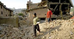 زلزال نيبال : ارتفاع حصيلة الضحايا إلى 6204 ومصير ألف أوروبي مجهول