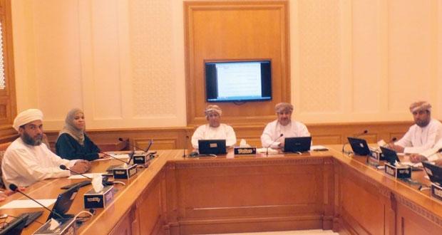 لجنة التربية والتعليم والبحث العلمي بالشورى تشيد بقرار تحويل كلية العلوم التطبيقية بالرستاق إلى كلية للتربية