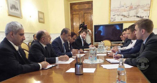 جلسة مباحثات بين السلطنة وروسيا الأتحادية