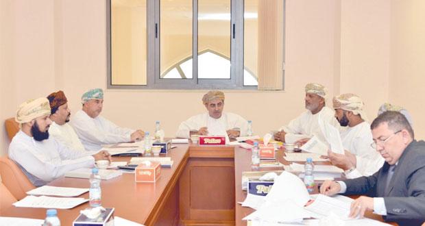 قانونية الشورى تناقش موضوع إنشاء محاكم عمالية
